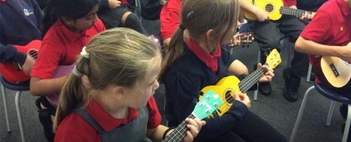 playing-ukulele