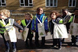 children-helping
