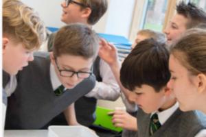 children-learning-together